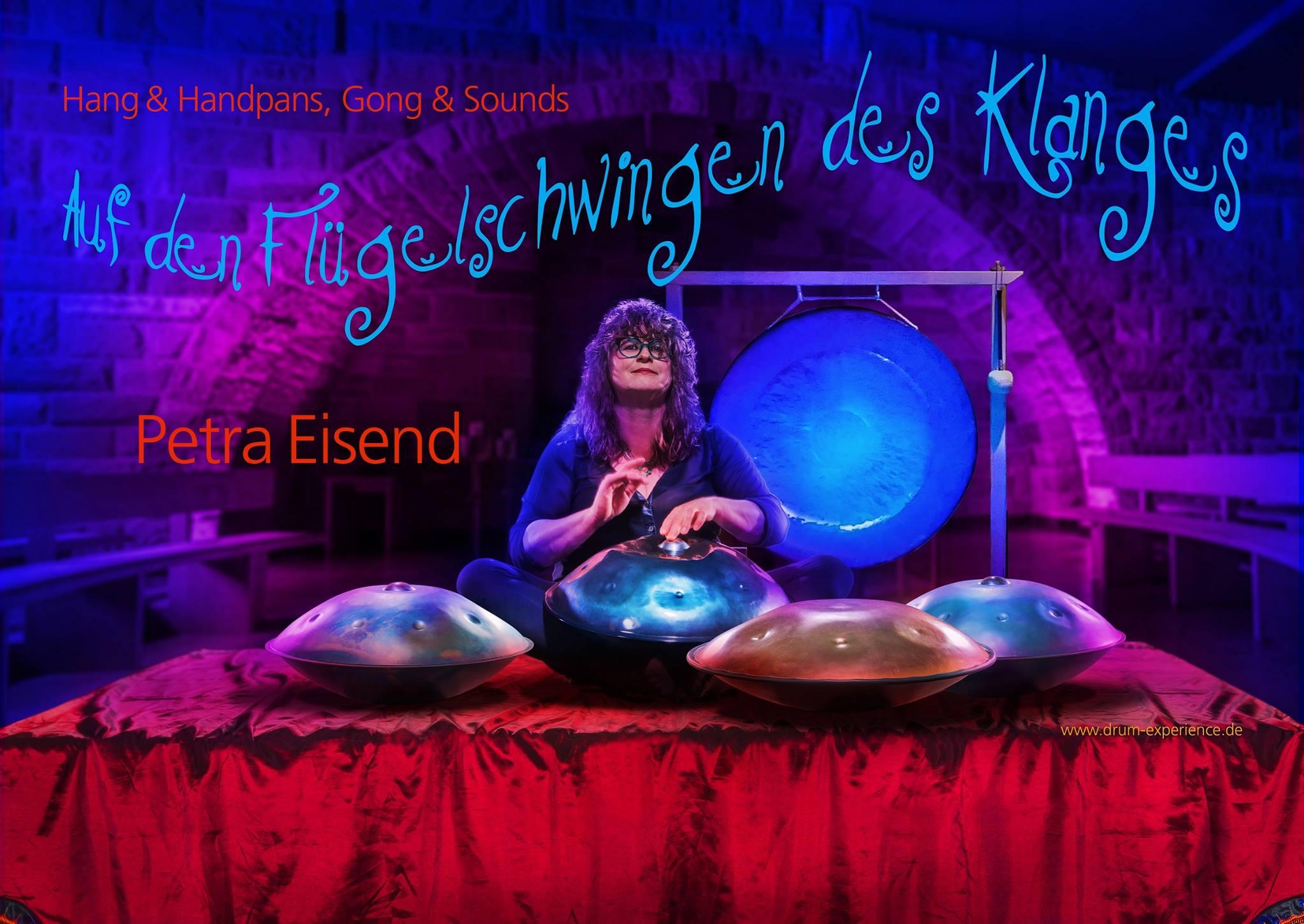 Auf den Flügelschwingen des Klanges bei Space 2b in Augsburg
